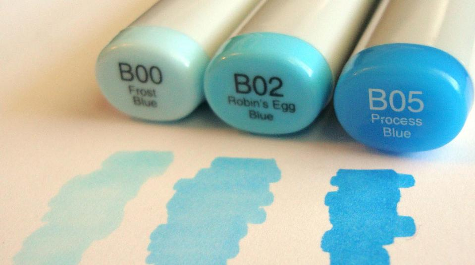 blue coloring markers